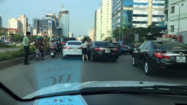 Hiện trường vụ tai nạn giữa 4 chiếc xe tiền tỷ. Ảnh: Johnny Sonvu/Otofun