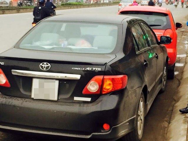 Toyota Corolla Altis húc đuôi Chevrolet Spark ((Ảnh: Trần Anh Tuấn/Otofun).