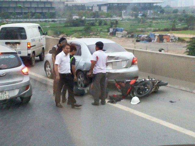 Hiện trường vụ tai nạn ().