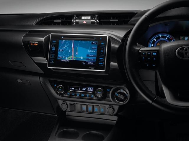 Bảng táp-lô của Toyota Hilux thế hệ mới.