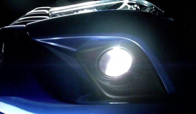 ... và đèn sương mù trên Toyota Hilux thế hệ mới.