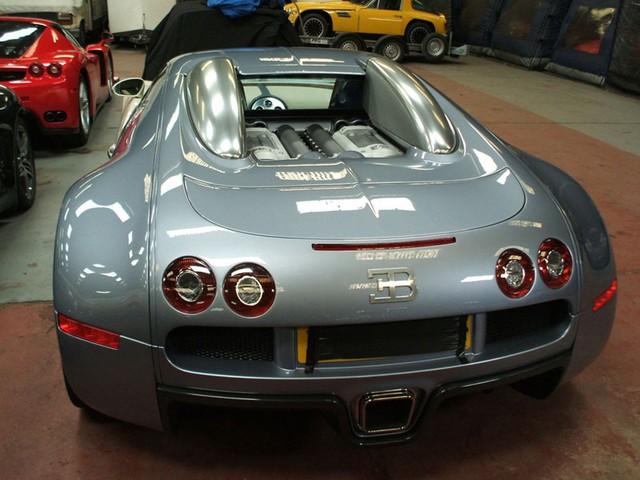 Siêu xe Bugatti Veyron được rao bán của trùm xã hội đen Surin.