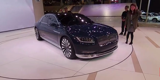 """Lincoln Continental bị """"tố"""" nhái kiểu dáng Bentley Continental từ triển lãm New York 2015."""