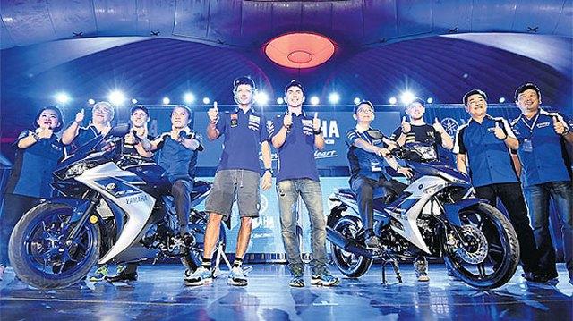 Cặp đôi Yamaha Exciter 150 (bên phải màn hình) và YZF-R3 ra mắt tại Thái Lan.
