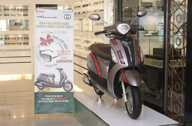 Yamaha Grande Gucci đi kèm chương trình tặng kính thời trang cho khách hàng.