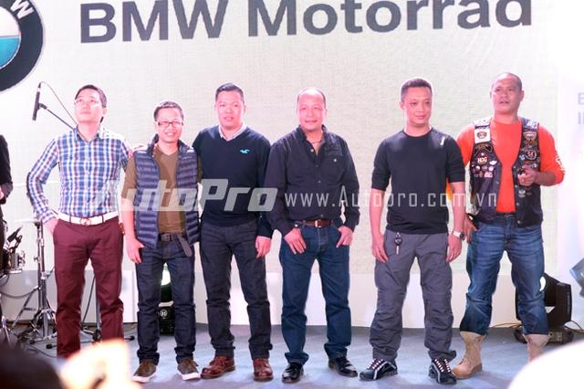 Những vị khách hàng đầu tiên đặt mua BMW Motorrad.