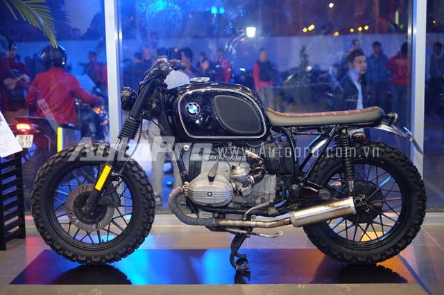 Một chiếc BMW Classic được trưng bày tại showroom BMW Motorrad.