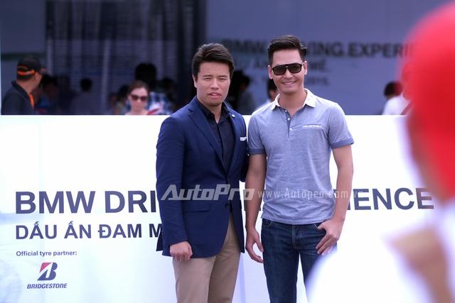 MC Phan Anh cùng ông Hiroyuki Saito - Tổng giám đốc hãng lốp Bridgestone.