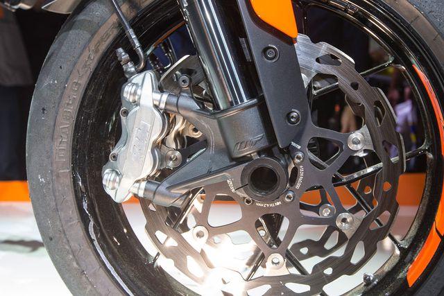 KTM 790 Duke - Naked bike tầm trung cạnh tranh với Kawasaki Z900 - Ảnh 11.