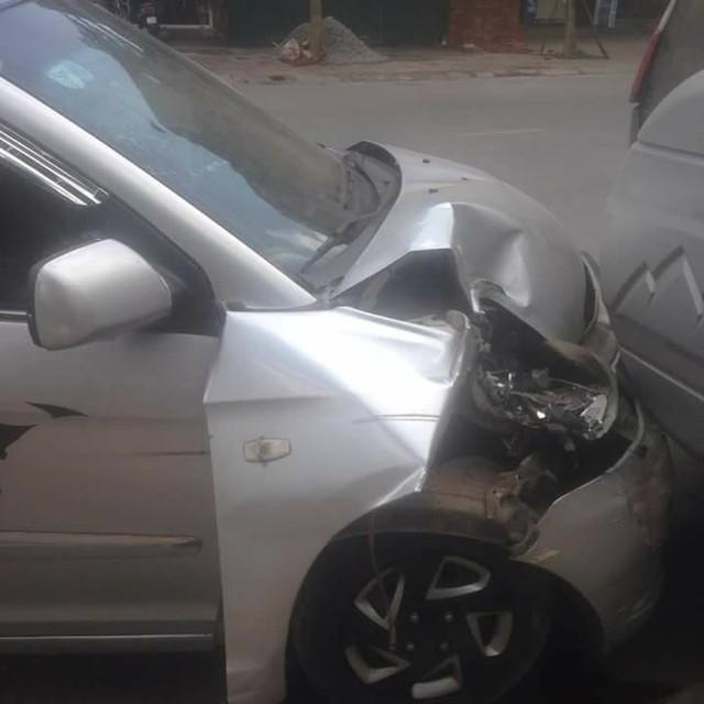 Chiếc ô tô của Hiệp Gà tại hiện trường vụ tai nạn.