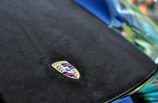 Đại gia chơi trội với xe sang Porsche Panamera bọc nhung - Ảnh 6.