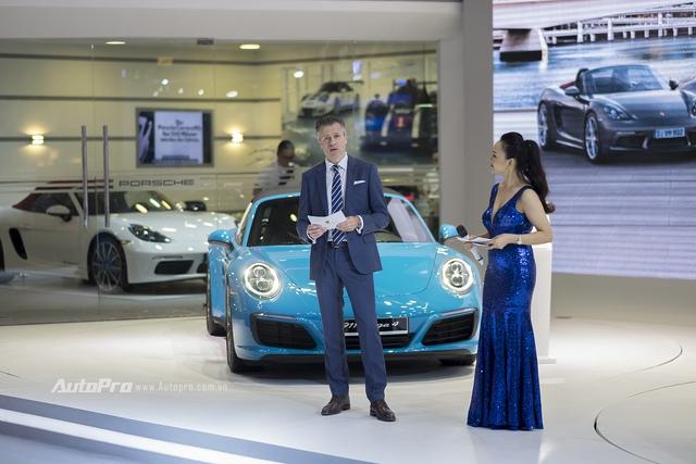 ông Andreas Klingler, Tổng giám đốc Porsche Việt Nam, phát biểu tại triển lãm VIMS năm nay.