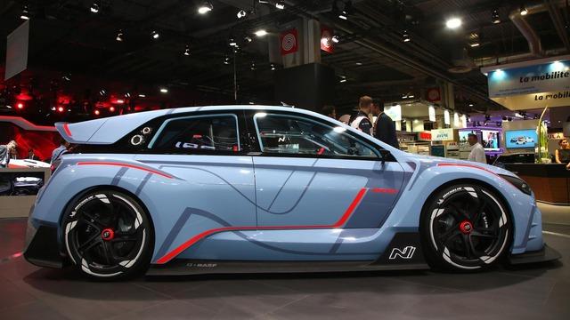 Khi lên dây chuyền sản xuất thương mại, RN30 sẽ là thành viên đầu tiên của nhãn hiệu con N trong gia đình Hyundai. Dự kiến, Hyundai RN30 phiên bản sản xuất sẽ có 2 bản khác nhau, bao gồm tiêu chuẩn và hiệu suất cao hơn, tương tự Volkswagen Golf GTI.