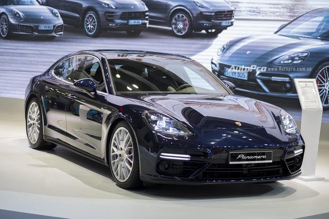 Mặc dù mới ra mắt trên thế giới nhưng Porsche Panamera Turbo 2017 đã nhanh chóng được giới thiệu tại Việt Nam.
