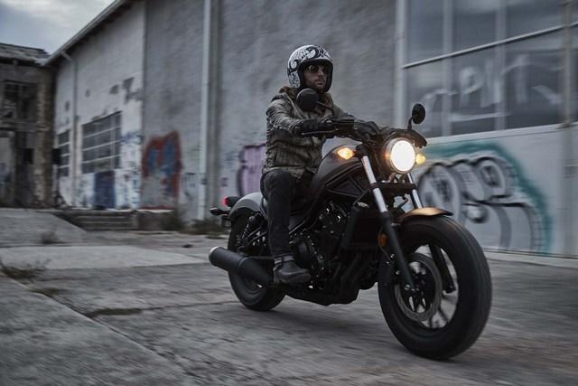 Những thông tin và hình ảnh đầu tiên của Honda Rebel 2017 đã được công bố trước thời điểm khai mạc triển lãm IMS Long Beach tại bang California, Mỹ. Theo hãng Honda, Rebel thế hệ mới có 2 phiên bản là 300 và 500.