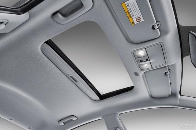 Dự kiến, sau Trung Quốc, Kia Rio Sedan thế hệ mới sẽ được bày bán trên thị trường thế giới vào nửa đầu năm sau. Hiện chưa rõ Kia Rio Sedan thế hệ mới có thiết kế giống K2 hay không.