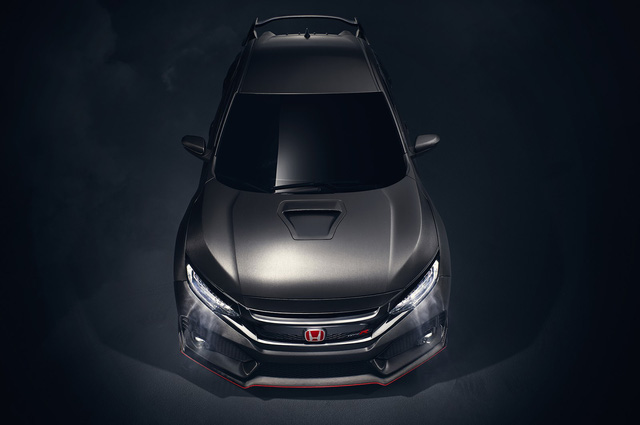 Động cơ này nhiều khả năng sẽ kết hợp cùng hộp số sàn 6 cấp và hệ dẫn động cầu trước. Rất có thể Honda Civic Type R 2018 còn được trang bị khóa vi sai thông minh mới.
