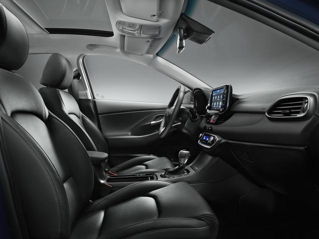 Hyundai i30 2017 - Xe gia đình đúng nghĩa, ngập tràn công nghệ an toàn - Ảnh 6.