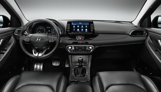 Hyundai i30 2017 - Xe gia đình đúng nghĩa, ngập tràn công nghệ an toàn - Ảnh 4.