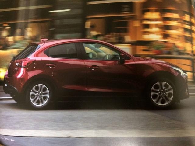 Mazda2 2017 lộ diện, thay đổi nhẹ ở thiết kế - Ảnh 4.