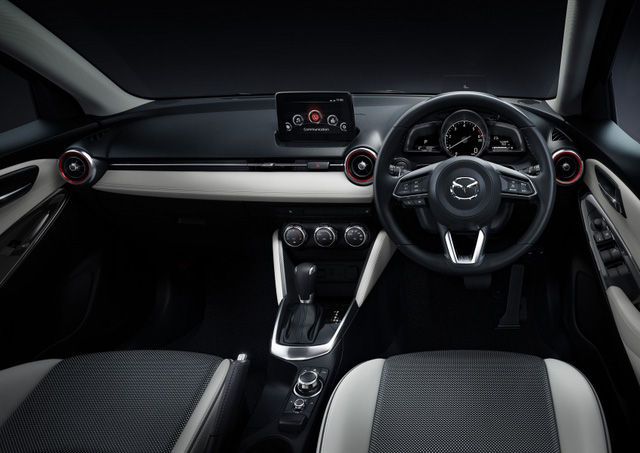 Nội thất Mazda2 2017