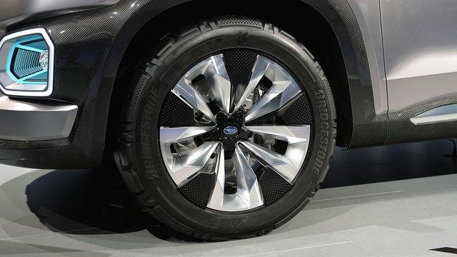Dự kiến, Subaru Ascent sẽ có mặt trên thị trường Mỹ vào đầu năm 2018 và sử dụng động cơ xăng 4 xy-lanh, tăng áp. Tất nhiên, sẽ không có gì lạ nếu động cơ xăng Boxer V6, dung tích 3,6 lít cũng được dùng như một tùy chọn cho Subaru Ascent.