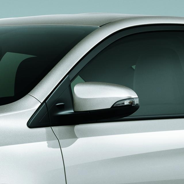 Như vậy, so với phiên bản cũ, Toyota Vios 2016 không thay đổi giá bán. Xe tiếp tục cạnh tranh với những đối thủ như Honda City, Nissan Sunny và Hyundai Accent tại thị trường Việt Nam.