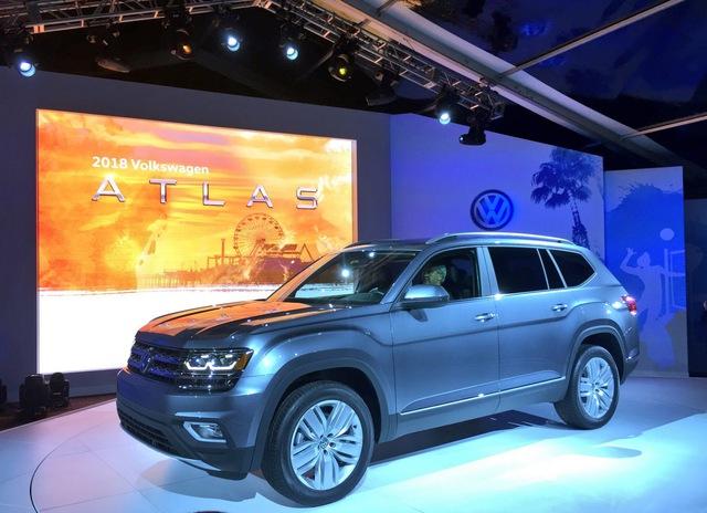 Hãng Volkswagen đã chính thức trình làng mẫu crossover cỡ lớn hoàn toàn mới Atlas trước thềm triển lãm Los Angeles 2016 diễn ra vào tháng tới. Trước đây, Volkswagen Atlas 2018 được đồn đoán có tên là Teramont.