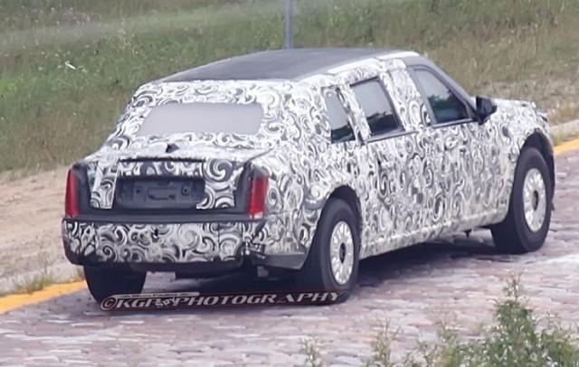 Chiếc limousine này sẽ được bọc thép chống đạn an toàn. Ảnh: Fox News