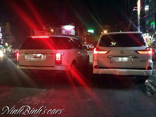 Cặp Range Rover và Lexus LX570 biển tứ quý 8 gần giống nhau gây choáng - Ảnh 1.