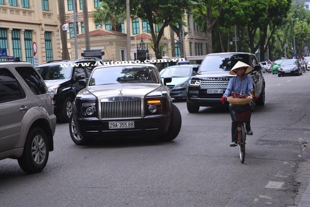 Được biết, chiếc Rolls-Royce Phantom Coupe này cập bến Việt Nam vào cuối năm 2011 và đến nay chỉ mới có một chiếc xuất hiện.