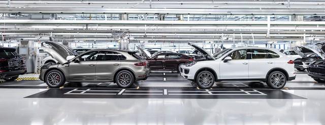 Cayenne và Macan là hai cái tên đã cứu vớt doanh số của Porsche.