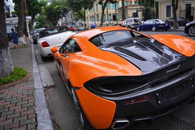 Điểm nhấn trên các siêu xe McLaren là ngoại thất có nhiều chi tiết được phủ carbon khá ấn tượng và 570S cũng không phải ngoại lệ.