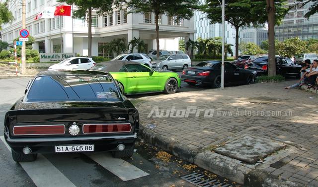 Ngoại tạo dáng lại ngoại thất cho giống phiên bản Shelby GT500 Eleanor, chiếc Ford Mustang này còn được cho độ công suất lên mức 500 mã lực.