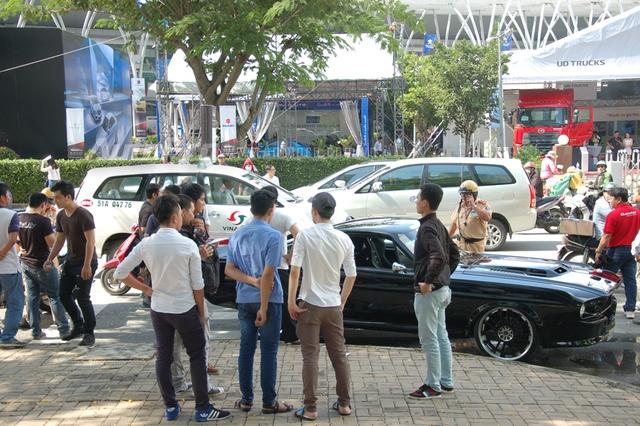 Rất nhiều bạn trẻ bị thôi miên trước ngoại hình cơ bắp của chiếc Ford Mustang 1967 độ theo phong cách Shelby GT500 Eleanor.