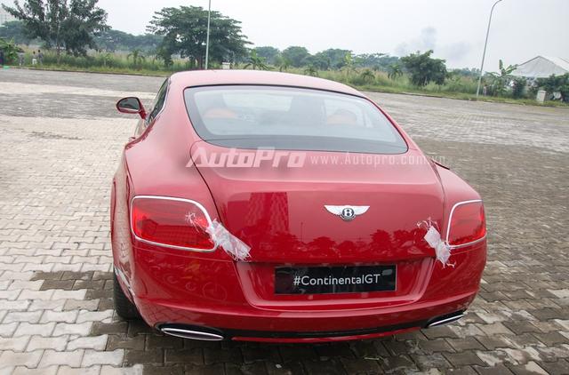 Tại thị trường Việt Nam, Bentley Continental GT khá được lòng các đại gia Việt, trong đó, ở thế hệ mới dòng xe thể thao siêu sang này được đưa về nước với hai phiên bản sử dụng động cơ V8 và W12. Trong đó, bản V8 tỏ ra được ưa chuộng hơn khi đã có không dưới 3 chiếc tìm thấy chủ nhân.