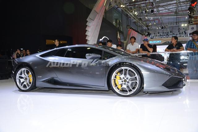 Lamborghini Huracan LP610-4 chính hãng đầu tiên tại Việt Nam sau thời gian định cư tại Sài thành đã được bán lại và trở thành xe demo của hãng.
