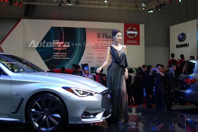 Infiniti Q60 Coupe 2017 xuất hiện tại triển lãm nhằm thăm dò các phản ứng của khách hàng Việt và sẽ được tái xuất sau khi sự kiện kết thúc.