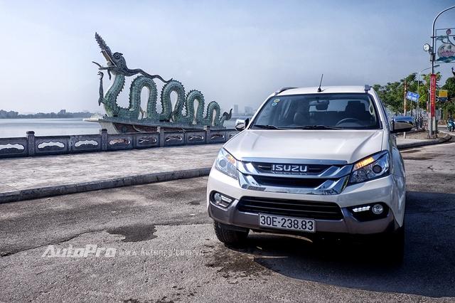 Isuzu MU-X có thể sẽ trở thành một thế lực mới trong phân khúc xe SUV tại Việt Nam với nhiều lợi thế như trang thiết bị đầy đủ, động cơ mạnh mẽ, bền bỉ, tiết kiệm và đặc biệt là giá thành hợp lý.