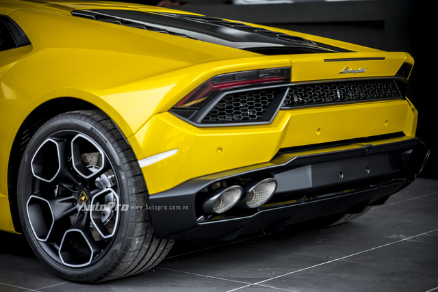 Các đường nét vuông vắn tạo nên nét đặc trưng của Lamborghini nói chung và Huracan nói riêng.