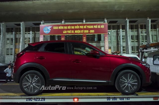 Chiếc xe Mazda CX-3 xuất hiện tại VMS 2016 sở hữu ngoại thất màu đỏ khá đặc trưng.