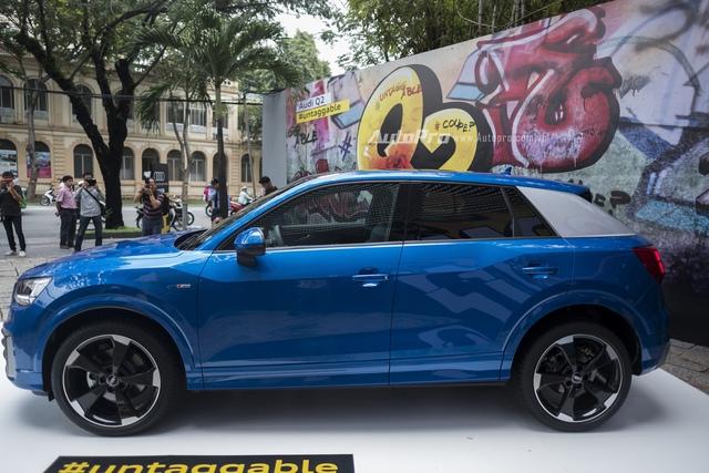 Audi Q2 lần đầu được ra mắt trên thế giới vào tháng 3/2016. Về mặt thiết kế, Audi Q2 mang kiểu dáng SUV đúng nghĩa, giống Q7 nhưng lại có các số đo nhỏ hơn. Các kích thước cụ thể của Audi Q2 bao gồm chiều dài tổng thể 4.190 mm, rộng 1.790 mm, cao 1.515 mm, chiều dài cơ sở 2.600 mm, khoảng sáng gầm xe 145 mm và trọng lượng 1.280 kg.