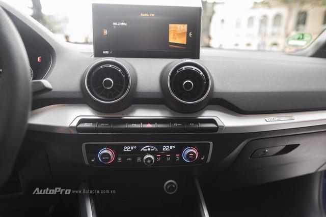 Bên cạnh đó, xe cũng sẽ được trang bị các tiện ích hiện đại như gương, kính và ghế lái chỉnh điện...