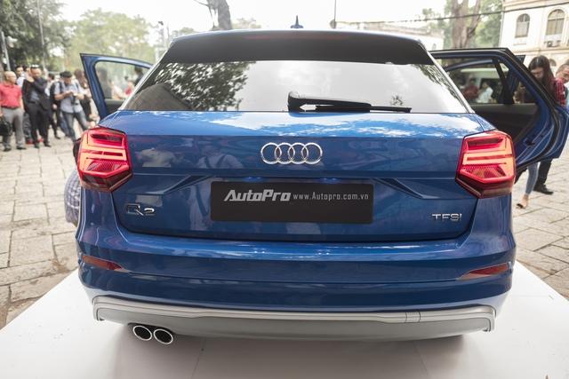 Audi Q2 còn nổi bật với khoang hành lý dung tích 405 lít và cặp ống xả kép.