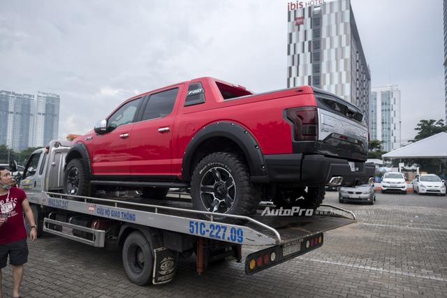 Mẫu xe bán tải khủng long Ford F-150 cũng được vận chuyển đến triển lãm.