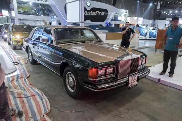Rolls-Royce Silver Spirit Mark II vốn ở Hà Nội cũng được vận chuyển vào Sài Gòn.