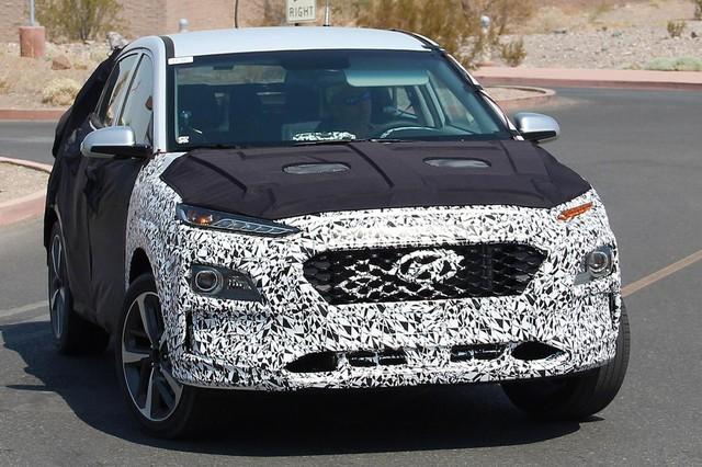 Mẫu SUV cao cấp mới của Hyundai trên đường thử