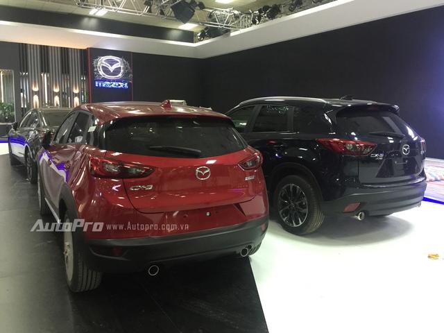 Khi đặt cạnh Mazda CX-5, mẫu xe Mazda CX-3 không có nhiều khác biệt.