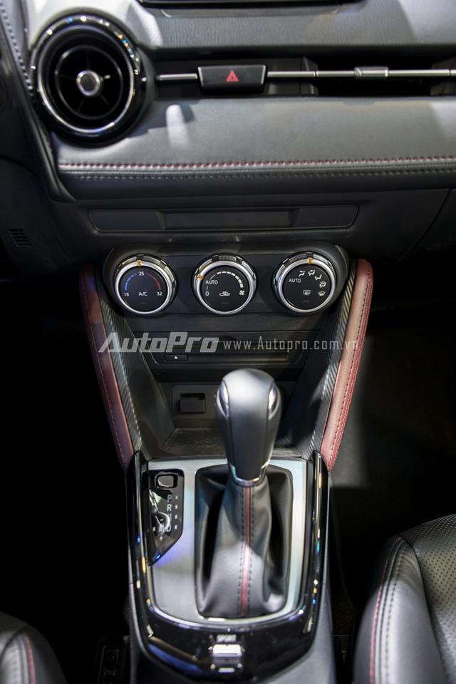 Xe được trang bị hộp số tự động 6 cấp cùng chế độ lái thể thao.