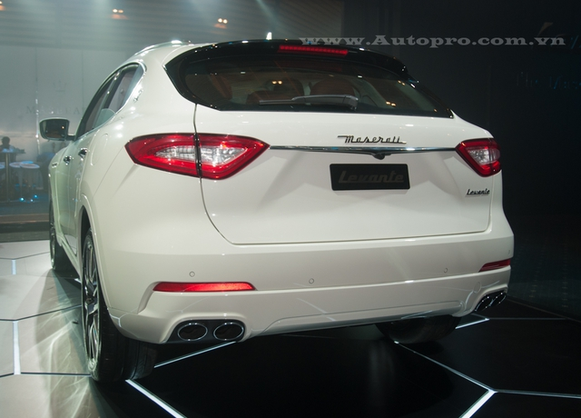 Được biết, thị trường Việt Nam chỉ được Maserati toàn cầu cung ứng khoảng 20 chiếc Levante bao gồm bản tiêu chuẩn và S trong năm 2016, phân nửa trong số đó đã có chủ nhân.
